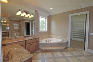 custom-built-home-eastland-construction-master-bathroom
